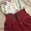 เสื้อเว้าไหล่แต่งระบายมาคู่กับเกงสีแดงเลือดแต่งเชือกหน้า thumbnail 6