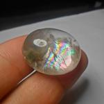 แก้วประกายรุ้ง+ปวก รอยธรรมชาติหน้าแก้วนิดหน่อย น้ำใส สวย ขนาด 2.9*2.3cm ทำจี้ สะสม