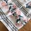 เดรสสีขาวปักและตกแต่งลายดอกไม้สไตล์โบฮีเมียน thumbnail 17
