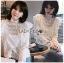 เสื้อเกาหลี พร้อมส่ง เสื้อผ้าคอตตอนสีขาวทรงคอสูง thumbnail 1