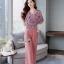 เสื้อผ้าเกาหลี พร้อมส่ง เสื้อทรงคอVป้ายจับจีบ กับ กางเกง thumbnail 3