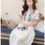 เดรสเกาหลี พร้อมส่ง เดรสผ้าชีฟอง สีขาวปักลาย thumbnail 5