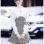 เดรสเกาหลี พร้อมส่ง เดรสผ้าชีฟองสีขาวและผ้าลายฮาวสทูธ thumbnail 8