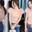 เสื้อเกาหลี พร้อมส่ง เสื้อ ผ้าไหมสีชมพูคอเหลี่ยมผ้ายืด thumbnail 3