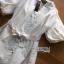 พร้อมส่ง เชิ้ตเดรสผ้าคอตตอนสีขาวตกแต่งลูกไม้ thumbnail 11