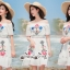 เดรสเกาหลี พร้อมส่ง ชุดเดรส ผ้าชีฟองสีขาวแบบย่น thumbnail 3